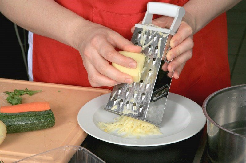 cheese grater cleaning