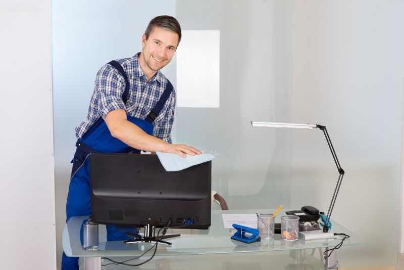 cleaning computer screens