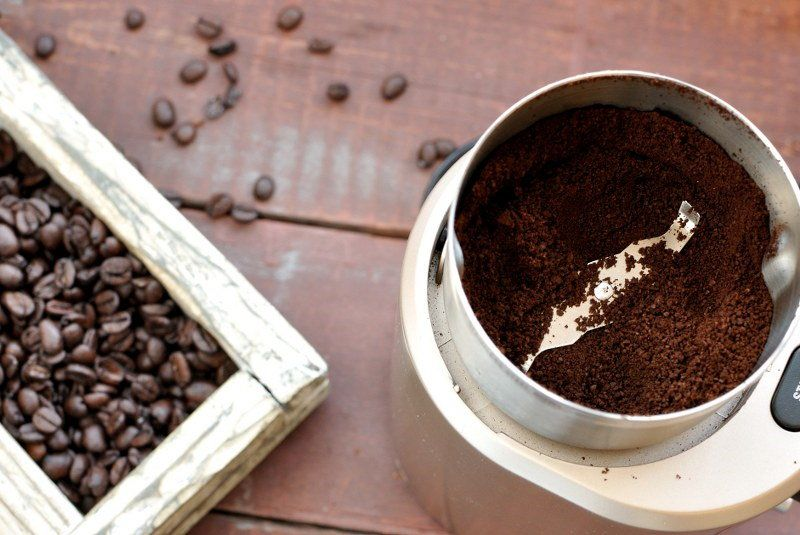 clean your coffee grinder