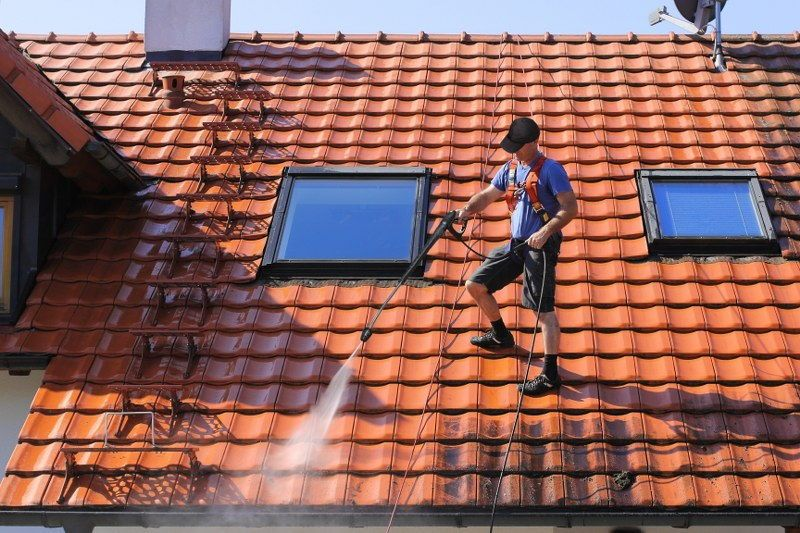 house exterior cleaning