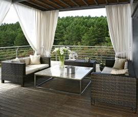 5 Ways to Clean Outdoor Furniture the Eco-Friendly Way