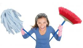 How to Handle Student House Cleaning in Canary Wharf Before Moving